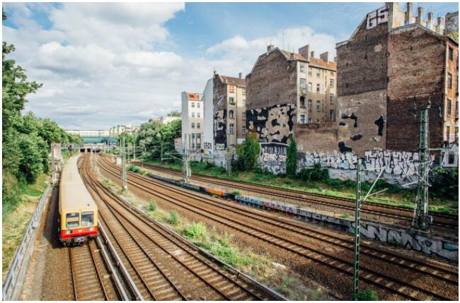 FLIGHTS, ACCOMMODATION AND MOVEMENT IN BERLIN